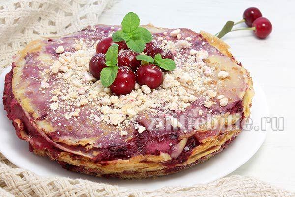 Млинцевий торт з вишнею