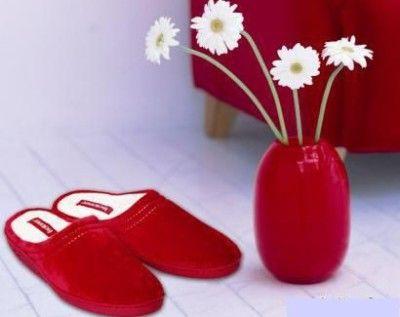 Домашнє взуття: подаруйте ногам легкість і комфорт (+ фото)