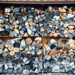 Зберігання дров на дачі