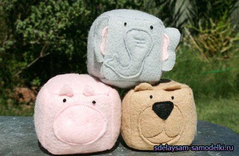 Іграшки подушки