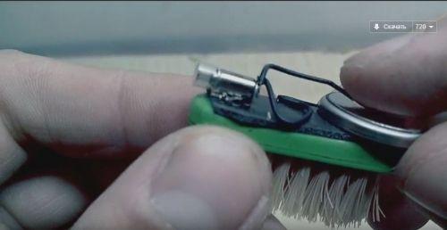 Електричний робот з зубної щітки