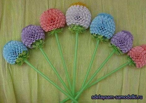 Круглі квіти з паперу