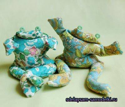 М`яка іграшка «жаба»