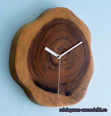 Настінний годинник з дерева
