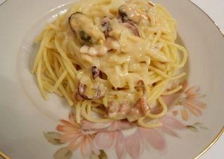Паста з морепродуктами в вершковому соусі