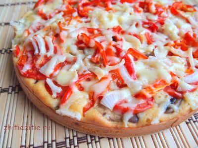 Простий і швидкий пиріг з грибами, овочами і сиром (+ фото)