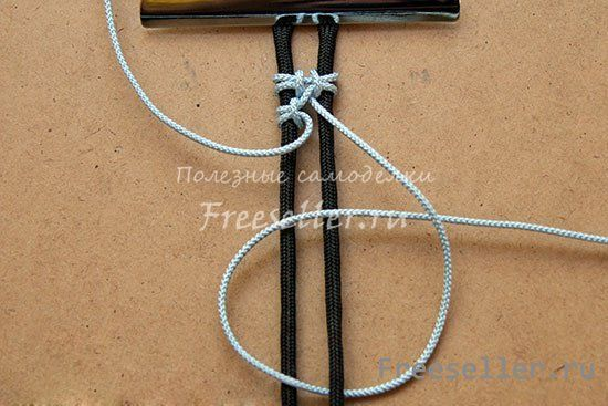 Саморобний браслет макраме