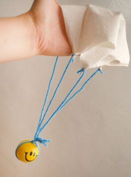 Саморобний маленький парашут
