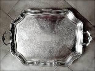 Срібний піднос для торжества