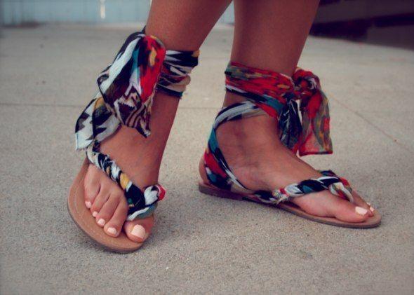В`єтнамки перетворюються в креативні сандалі